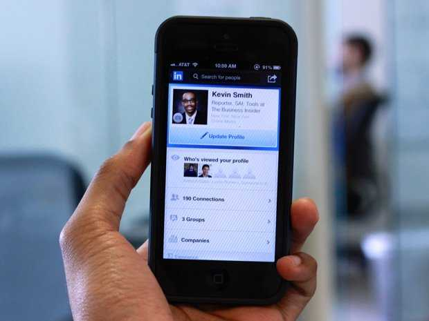 LinkedIn Mobile Usage Approaching A Majority — Now At 41%