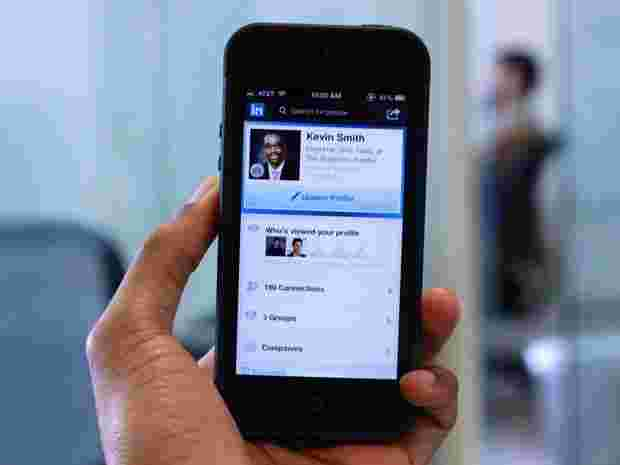 LinkedIn Mobile Usage Approaching A Majority — Now At 41%   Forintus